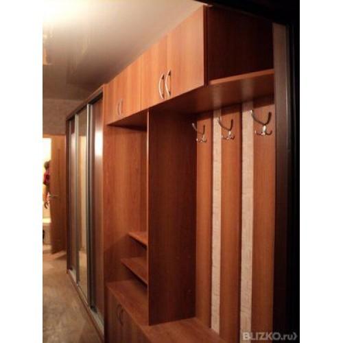 Встроенный шкаф в прихожую.